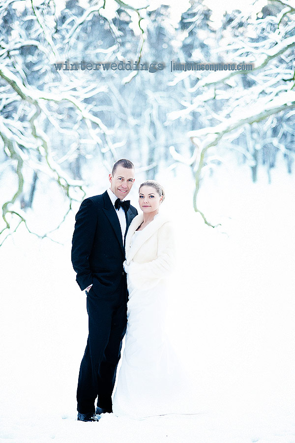 winter-weddings-photographer-snow